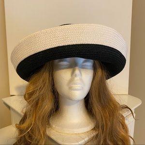 Talbots Round Brim Straw sun hat black & white